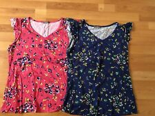 South Ladies Floral Tshirts Size 18