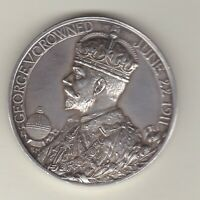 1911 GEORGE V & QUEEN MARY CORONATION SILVER MEDAL IN EXTREMELY FINE CONDITION.