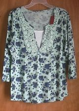 Women's L  floral knit top - 3/4 sleeves