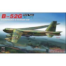 ModelCollect 1:72 UA72210 USAF B-52G early Linebacker II Vietnam war Model Kit