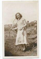 BM867 Carte Photo vintage card RPPC Femme jeune fille avec raquette de tennis
