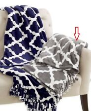 "IDEA NUOVA GEO PRINT ROYAL PLUSH THROW WI CHARCOAL 50"" x 60"" - NIP"