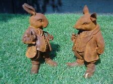 lapin a la pipe et rat en costume , statue, animal en fonte patiné rouillé,  ...