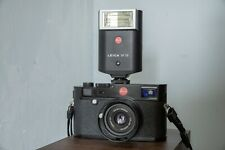 Leica SF-20 Hot Shoe Mount Flash Mint Condition in Box and Pouch