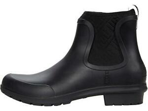 UGG Chevonne Rainboot BLACK -- NEW IN BOX!!!