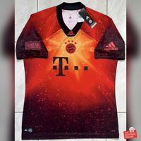 """Adidas Bayern Munich EA FIFA 19 (2018/19) """"Digital"""" Fourth Jersey. BNWT, Size L."""