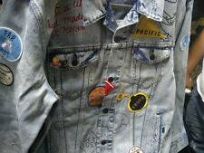 LEVI'S Limited Edition Patch Grafitti Trucker Jacket Size S California NWT $400