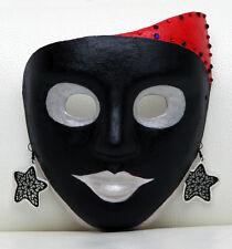Maschera di carta pesta dipinta a mano