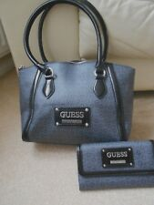 GUESS BAG AND PURSE GREY / BLACK