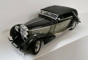 Franklin Mint 1/24 Scale Die-cast 1939 Maybach Zeppelin black. Used. No box.