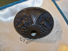 c1900 ANTIQUE VICTORIAN LARGE CARVED GUTTA PERCHA GRAPE VINE MOURNING BROOCH PIN