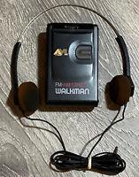 Sony SRF-42 AM Stereo / FM Stereo Walkman with Original TRH-1 Headphones  READ!!
