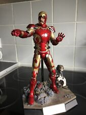 Hot Toys Iron Man Mark 43 die cast Avengers