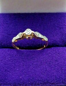18 carat GOLD AND PLATINUM SOLITAIRE DIAMOND RING SIZE L