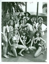 BEN MURPHY HAWAIIAN MODELS BIKINI BUSTY LEGGY LOTTERY ORIGINAL 1984 ABC TV PHOTO