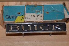 "NOS 1975 Buick Century Skylark Metal "" BUICK "" Grill Emblem Insignia 1247574"