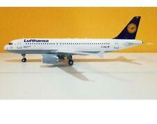 J Fox Models WBA320002 - 1/200 LUFTHANSA AIRBUS A320-211 D-AIQL WITH STAND