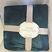 Berkshire - Classic Velvety Plush Blanket - Full / Queen - Atlantic Blue