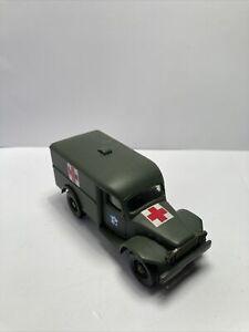 Vehicule Militaire Miniature 1/50 Solido - Dodge 4x4 Cabine Ambulance USA