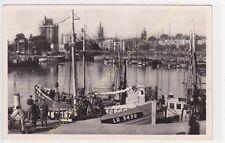 CPSM 17000 LA ROCHELLE vue sur le Port bateaux peche  Edit NOZAIS