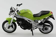 MAISTO 1/18 MOTO TRIUMPH speed triple !!!