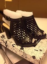 CL by: Laundry, Women's Size: 6 Med. (CL Wishes) Black, High Heels, New In Box