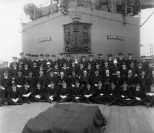 OLD PHOTO 1912 George V King of England with the crew on his visit to New Zealan