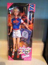 Walt Disney World 2000 Barbie Exclusive Special Edition NRFB 1998 Blonde Tourist