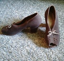 Vintage antique women's Victoria cross heel shoe brown fabric leather sole