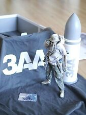 Ashley Wood 3A ThreeA 3AA Membership 2013 Exclusive Figure WWR NOM Blanc Hunter