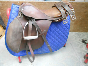 """Comfy 17.5"""" English riding saddle ideal 4schooling jumping hacking Charity Sale"""