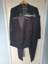 Daks 3 Piece Suit Chest 42 Inches Waist 38 Inches