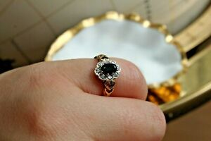 9ct yellow gold sapphire and CZ cluster ring with heart pierced shoulders 2.2g J