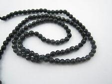 1 filo di onice nera sfaccettato di 3 mm lungo 37 cm 130/132 pietre circa