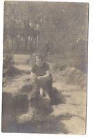 photo carte postale   jolie jeune femme  (1016g)