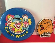 VINTAGE 1983 CIRCUS WORLD CLOWNS & LION METAL PIN BACK BADGE PIN LOT (2)