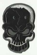 ECUSSON PATCH THERMOCOLLANT SKULL BIKER TETE DE MORT GRIS NOIR 9,5 X 6 CMS