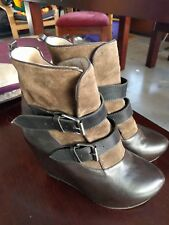 Funky ladies brown leather and suede boots with 2 buckles size 38