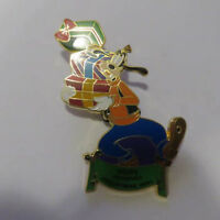 Disney WDW - Night Before Christmas 2001 Goofy Carrying Presents Pin
