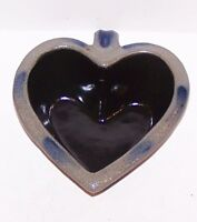 WONDERFUL ROWE POTTERY WORKS 1998 SALT GLAZE STONEWARE HANDLED HEART BOWL