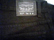 Levi jeans 28/28/16/reg