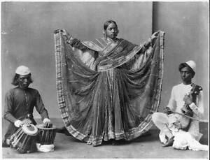 Nautch girl dancing with musicians accomp,Calcutta,India,c1900,traditional 1248
