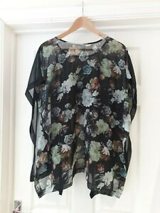 Summer Blouse by Topshop with Cropped Back Black Floral Print Top UK Size M/L