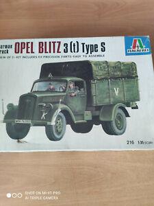 maquettes blindés 1/35 OPEL BLITZ