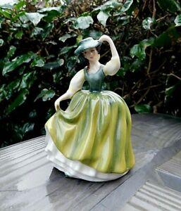 ROYAL DOULTON Porcelain Figurine BUTTERCUP Statue 1990 HN 3268 Peggy Davies
