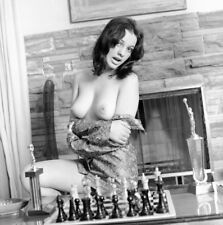 1960s Vogel Negative, gorgeous nude pin-up girl Lois Ann McNulty, chess, t24988