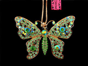 Fashion Betsey Johnson Green AB Crystal Hollow Butterfly Pendant Chain Necklace