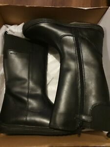 Geox boots size 3