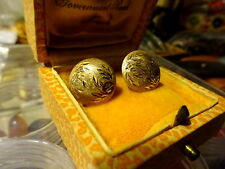 Charming 1960s 9ct yellow gold Chased Design Button Stud Earrings no scrap