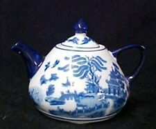 Blue Willow Fat Belly Porcelain Teapot Oriental Stoneware Birds Collectible New